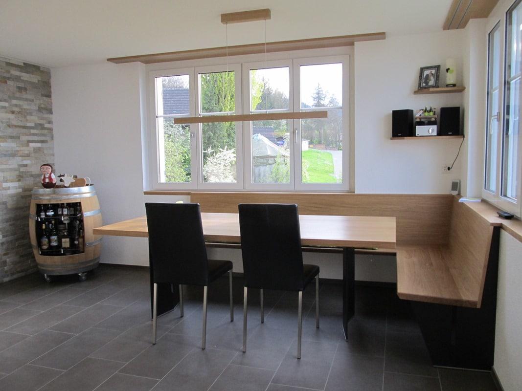offene wohnk che mit esstisch und eckbank danuser herisau. Black Bedroom Furniture Sets. Home Design Ideas
