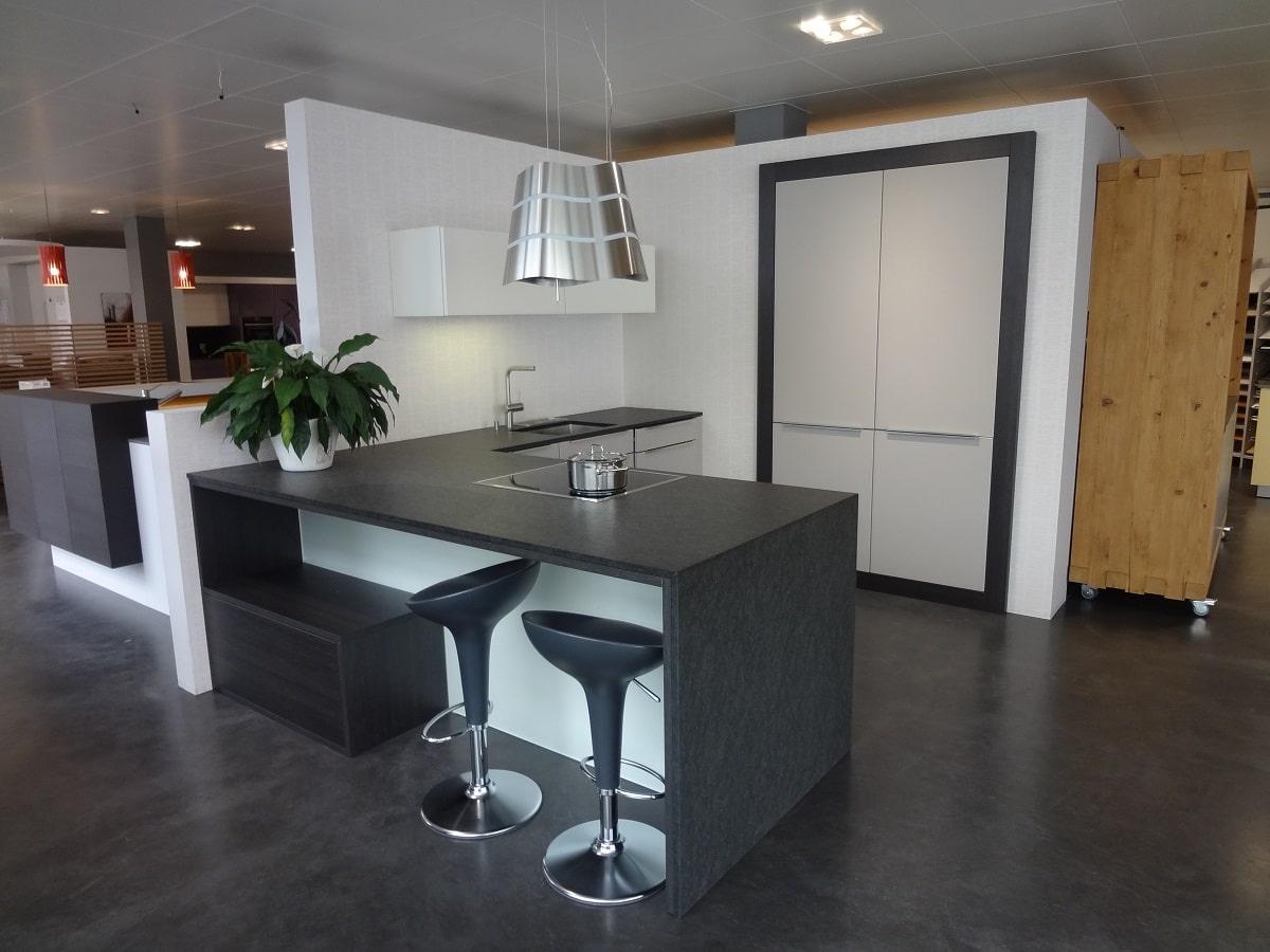 Ausstellungsküche 02 Küche mit Sitzgelegenheit// Sonderpreis 11\'000 ...