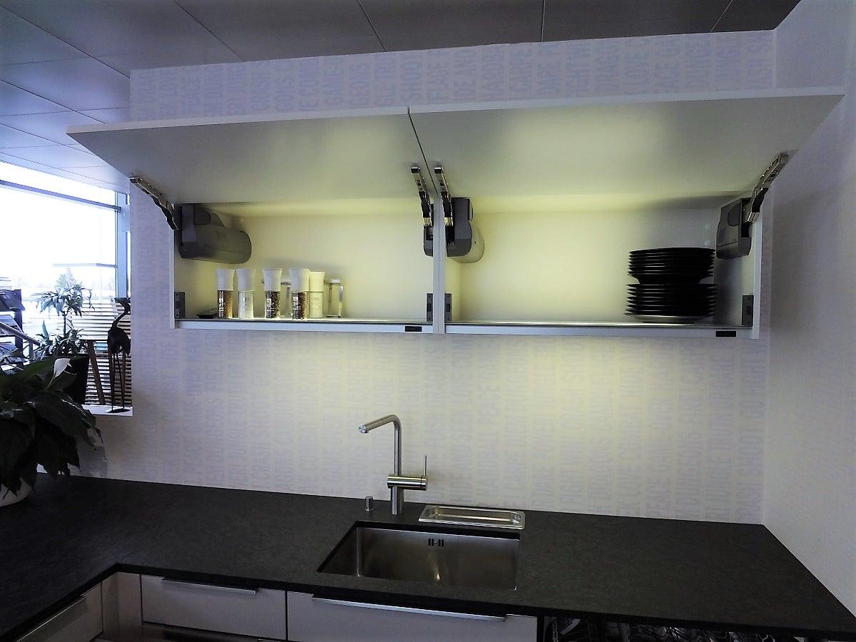 Ausstellungsküche 02 Küche mit Sitzgelegenheit// Sonderpreis ...