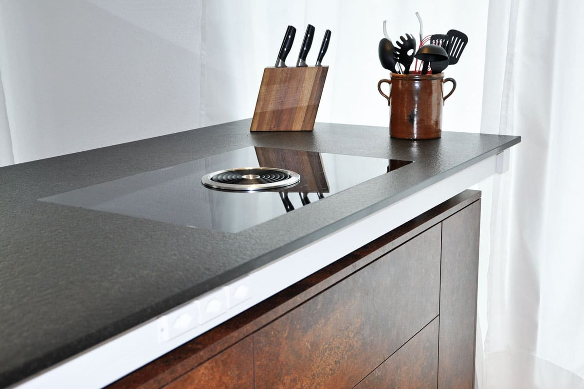 Küche mit Rostoptik – Kücheninsel einmal anders – Danuser Herisau